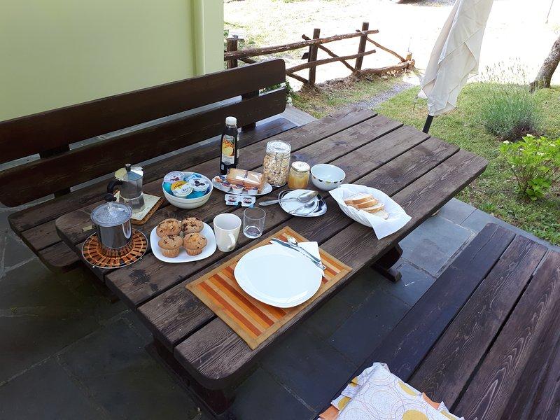 Desayuno buffet afuera