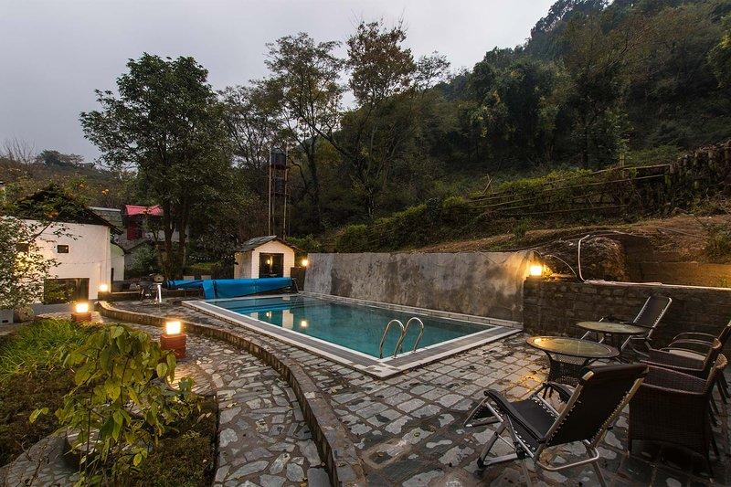 The Mirage - White house by Vista Rooms, alquiler de vacaciones en Kangra District