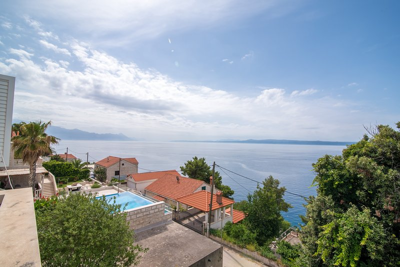 Apartments Neva- Standard Two Bedroom Apartment with Terrace and Sea View, vacation rental in Sumartin