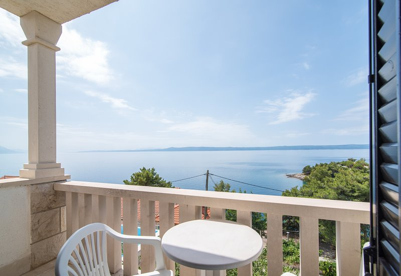 Apartments Neva- Two Bedroom Apartment with Balcony (4R), vacation rental in Sumartin