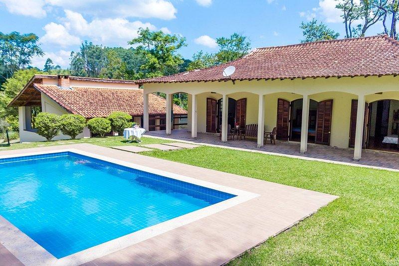 Sítio em Igaratá – perfeito para descanso em família, location de vacances à Aruja