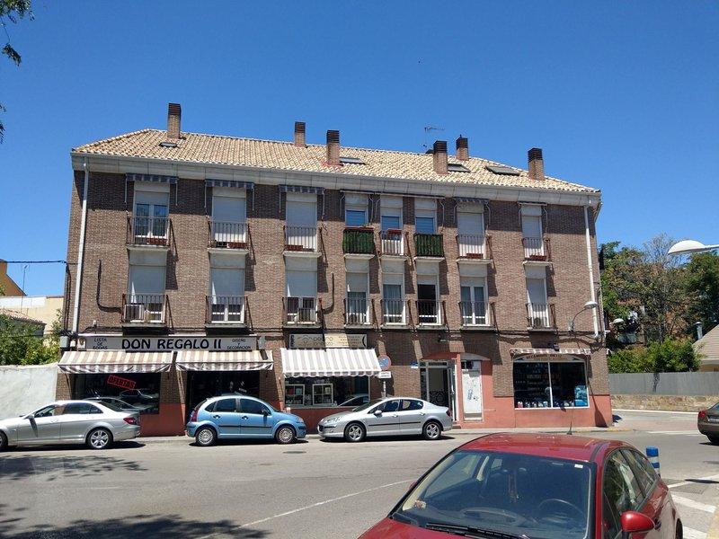 Apartamento Pinto Plaza Santiago, aluguéis de temporada em Sesena Nuevo