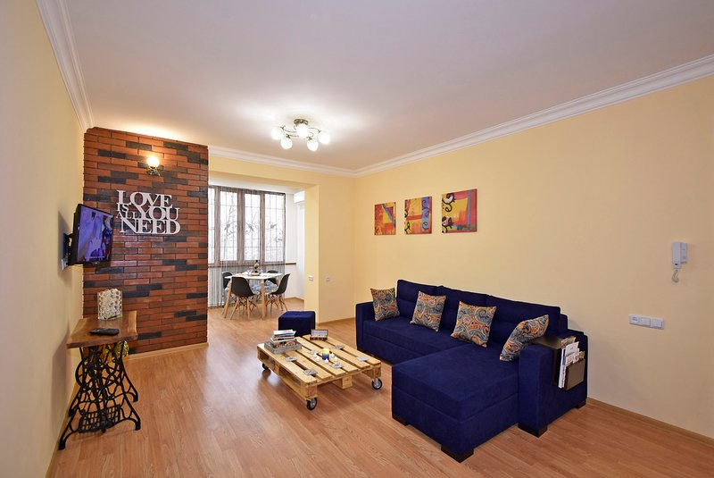 Jazzy Apartment, Yerevan City Center, location de vacances à Parakar