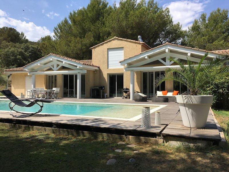 Amazing apt with shared pool & Wifi – semesterbostad i Porquerolles Island