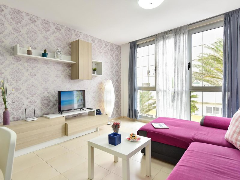 Modern New Apartment Arinaga 1B, holiday rental in Playa de Arinaga