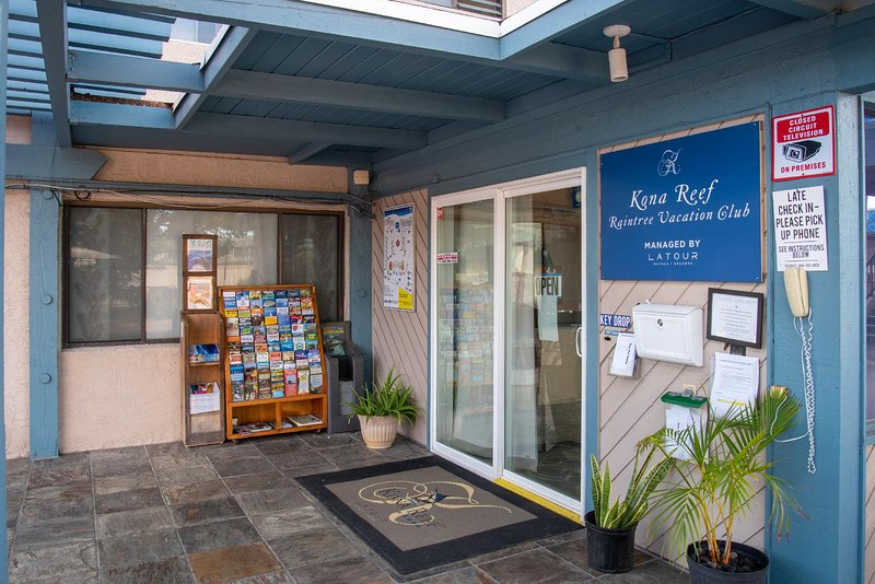 Plan your adventures here at the Kona Reef Raintree Vacation Club!