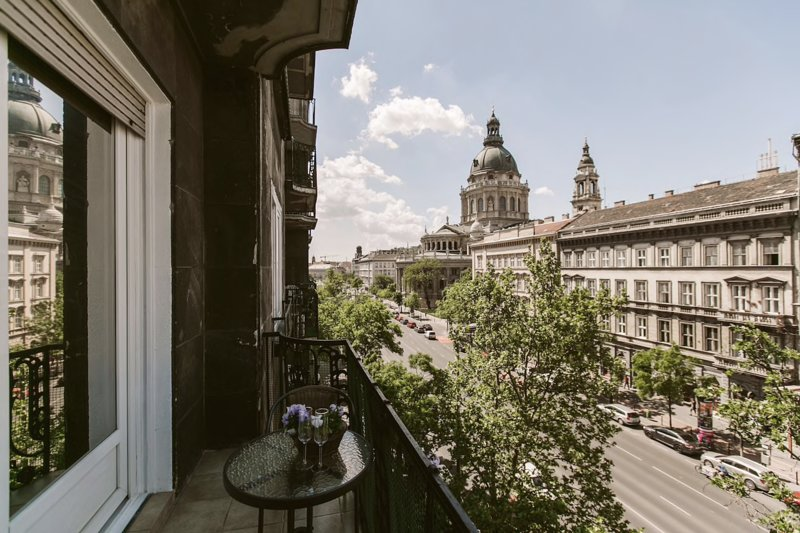 Lovely downtown studio with a view of Basilica, alquiler de vacaciones en Budapest