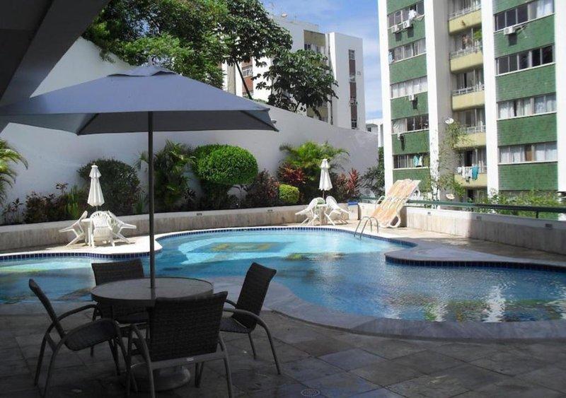 Flat Atlantic City - Apart Hotel Ondina / Barra, holiday rental in Salvador