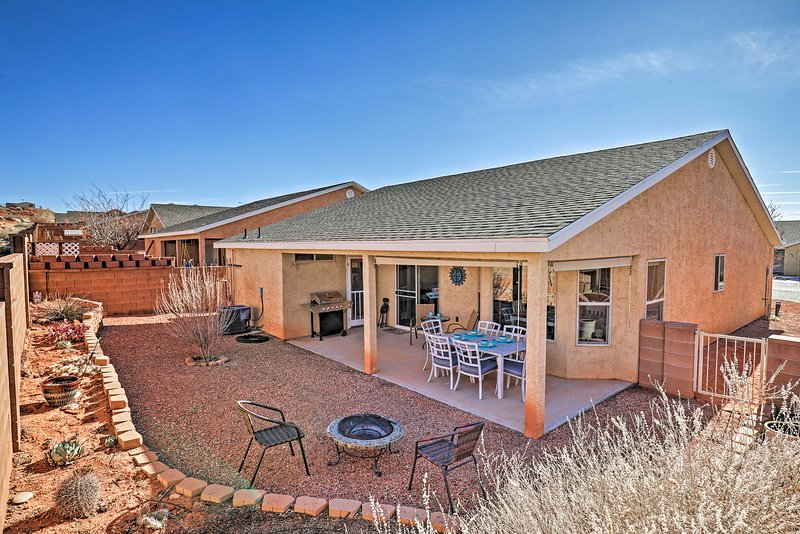 Modern Home <7Mi to Lake Powell & Antelope Canyon!, vacation rental in Greenehaven