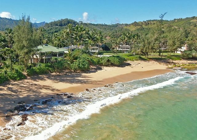 2bdr /1 bath + loft, in lush jungle setting and just steps to the ocean!, location de vacances à Anahola
