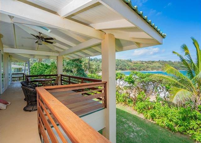 Amazing Estate on the beach for your exclusive enjoyment!, alquiler de vacaciones en Anahola