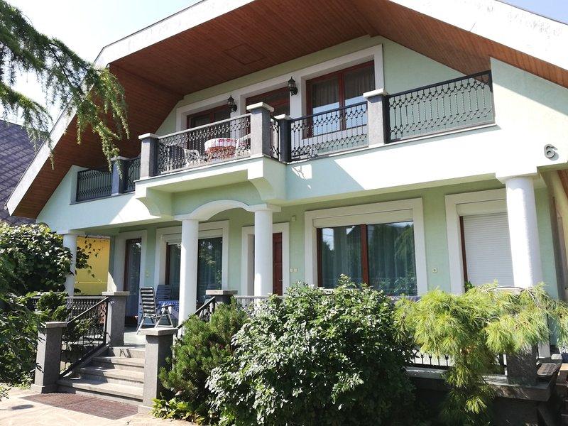 Eden Garden Apartment, casa vacanza a Vonyarcvashegy