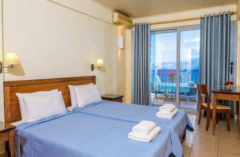 Mirabella Apartments, holiday rental in Crete