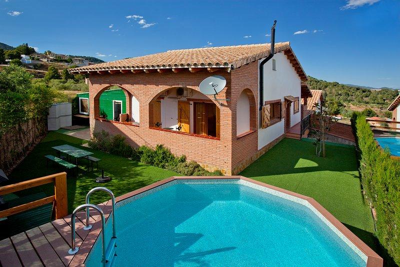 Can Prats - casa rural Espígol - 20 plazas (piscina privada y barbacoa), aluguéis de temporada em Vilaplana