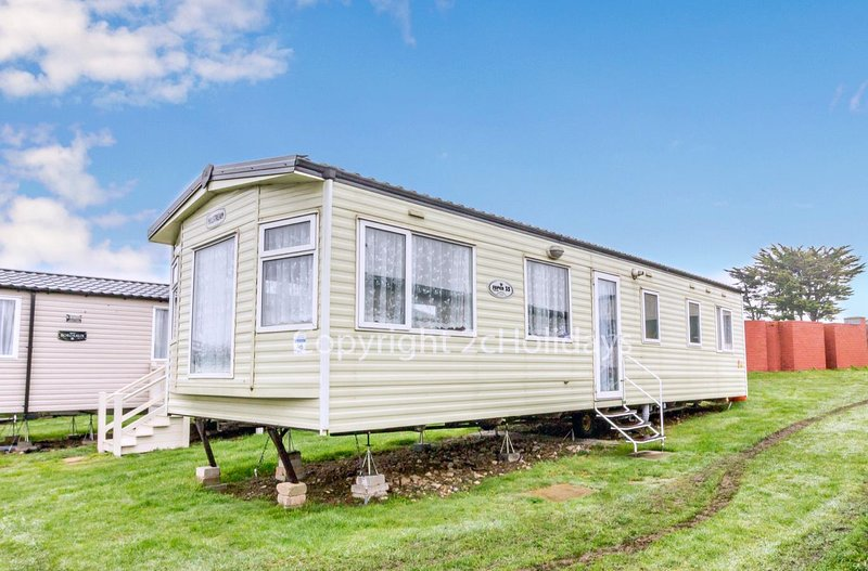 Spacious caravan right by beach in Kessingland park Suffolk ref 90046SG, Ferienwohnung in Henstead