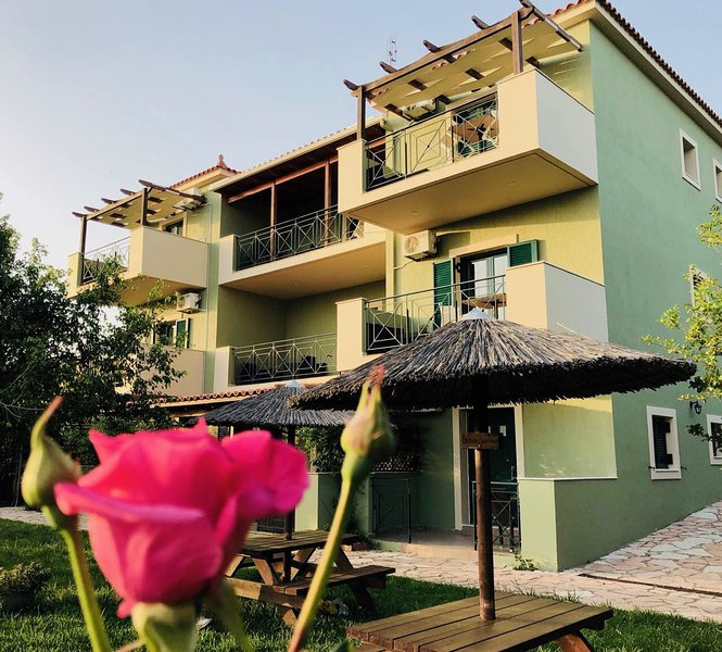 GALINI APARTMENTS, holiday rental in Kaligata