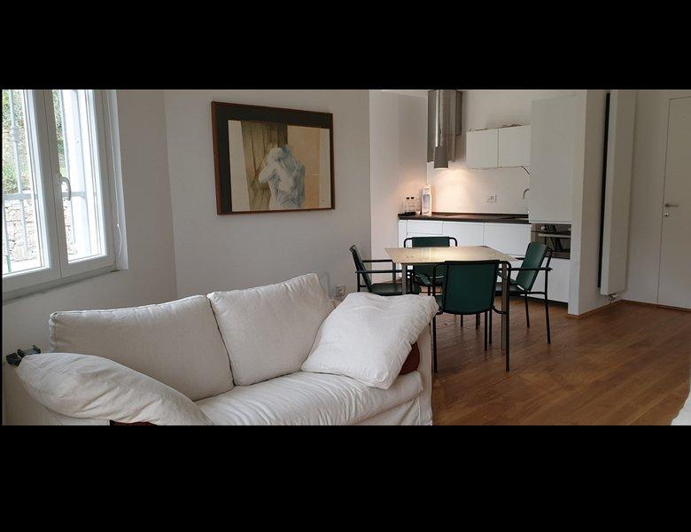 Appartamento di design nella collina di Alassio, aluguéis de temporada em Alassio