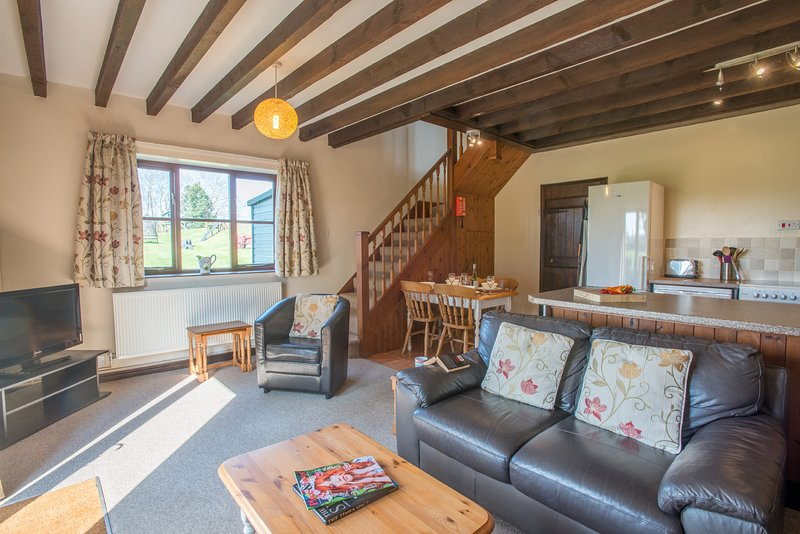 Holly Cottage Near Holt Sleeps 5, holiday rental in Itteringham