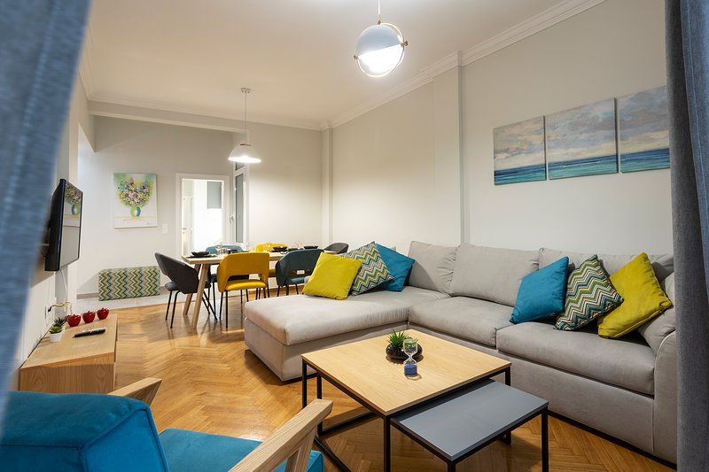 AthensBlues Pagrati 3 Bedroom Flat., holiday rental in Kaisariani