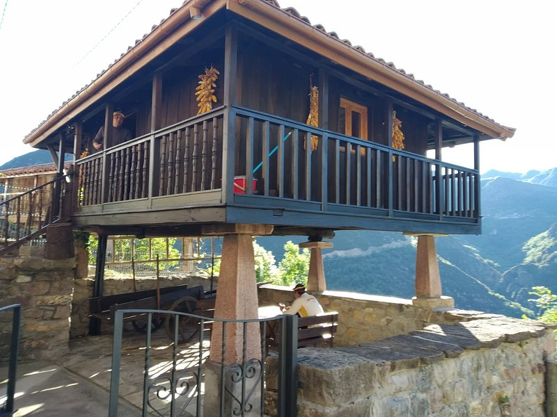 Beautiful studio with mountain view, holiday rental in Santa Maria
