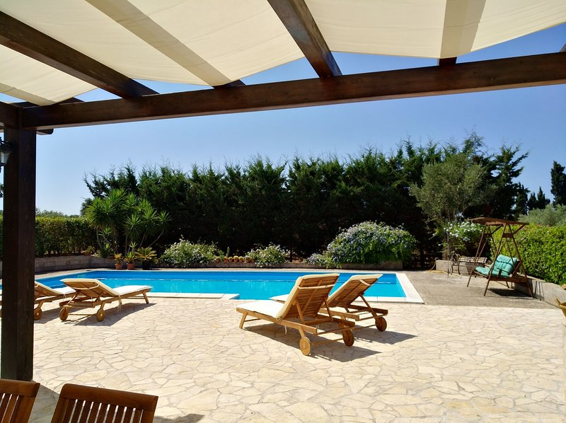 Villa Giglio, Ferienwohnung in Fertilia