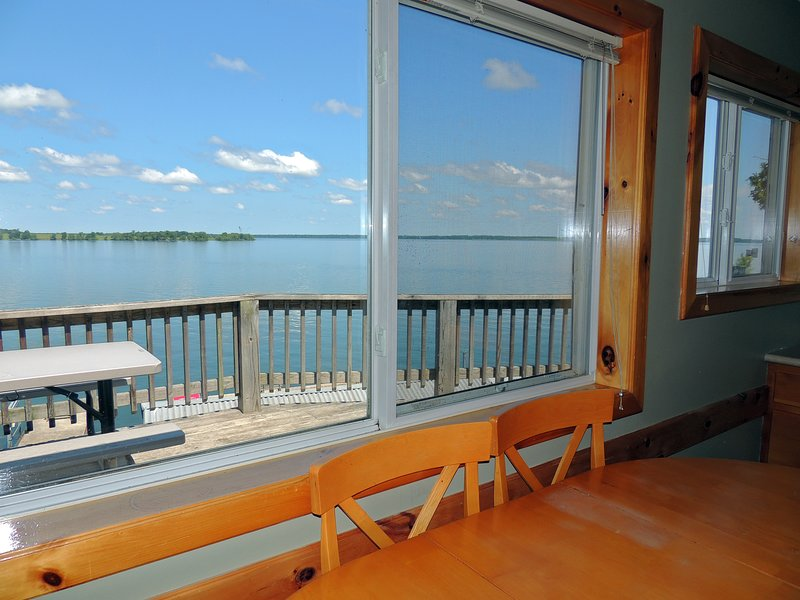 Spacious 3 bedroom/1 bath water view cottage #3, holiday rental in Sackets Harbor