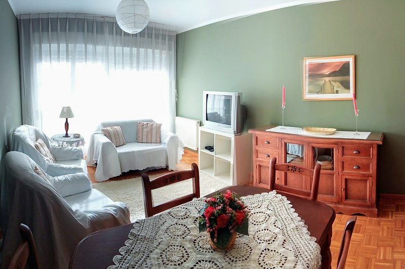 APARTAMENTO ALFICA EN LLANES, holiday rental in Llanes