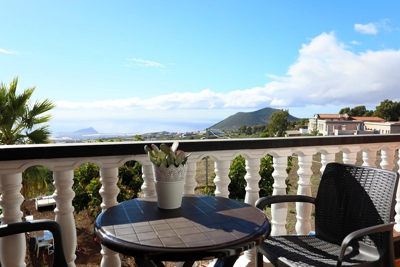 MARODY HOUSE VACACIONAL 1º B, vacation rental in Chimiche