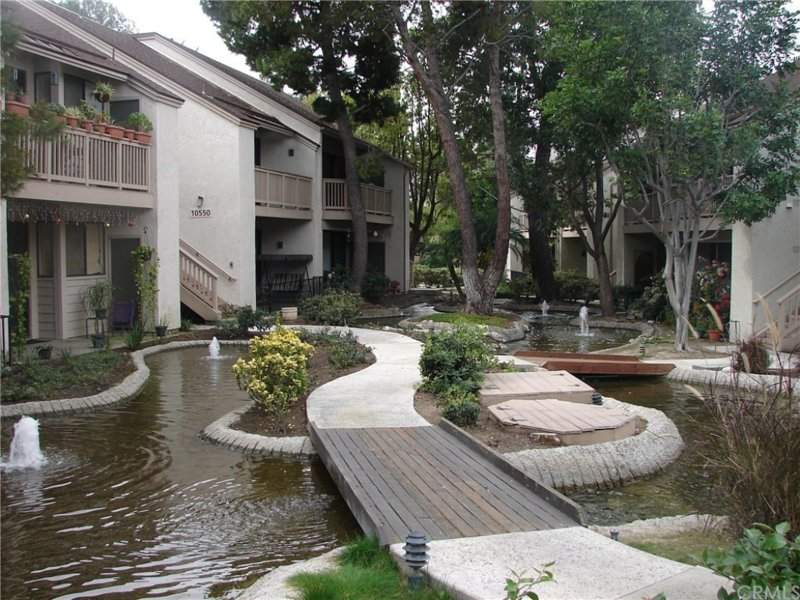 PRIVATE 1BR near Disneyland! Resort-style living, holiday rental in Stanton