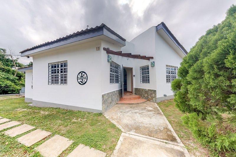 Family-friendly home near town w/ private pool, jungle views, WiFi & partial AC!, vacation rental in San Ignacio