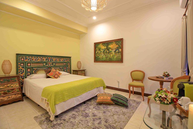 Room Brasil at Villa Anusky Bali. Breakfast included, vakantiewoning in Kerobokan Kelod