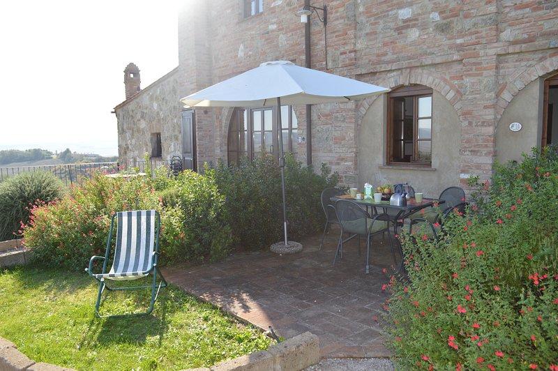 Appartamento con giardino privato in Toscana, holiday rental in Bollano