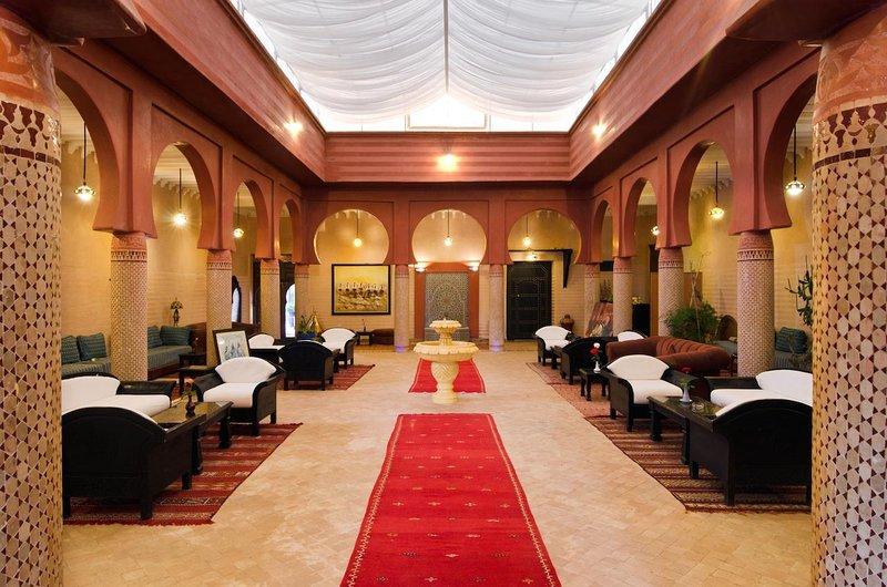 l'EssenCiel - Palais Riad Berbère (jusqu'à 50 personnes), alquiler de vacaciones en Ait Azzi