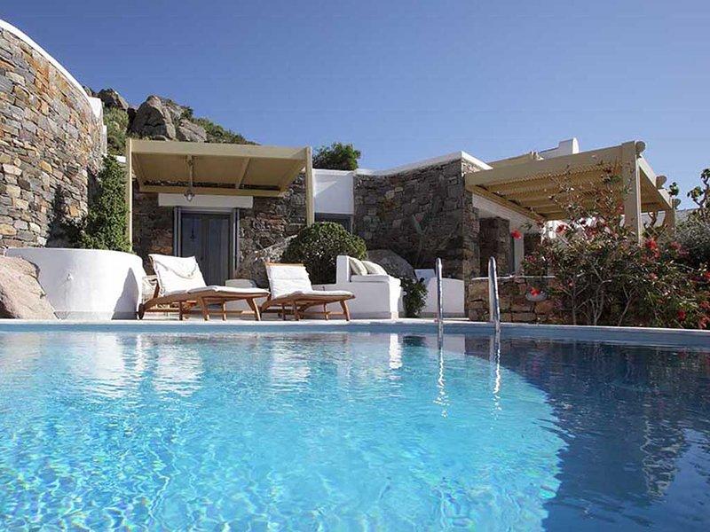 Villa 'Cave' Infinity Pool  - Villa Paradise Hotel Naxos, location de vacances à Naxos (ville)