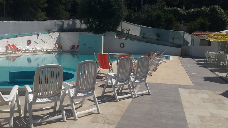 Amazing apartment with shared pool, holiday rental in Palude Mezzane