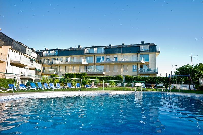 Atico Premium Playa de Altar 4, vacation rental in Barreiros