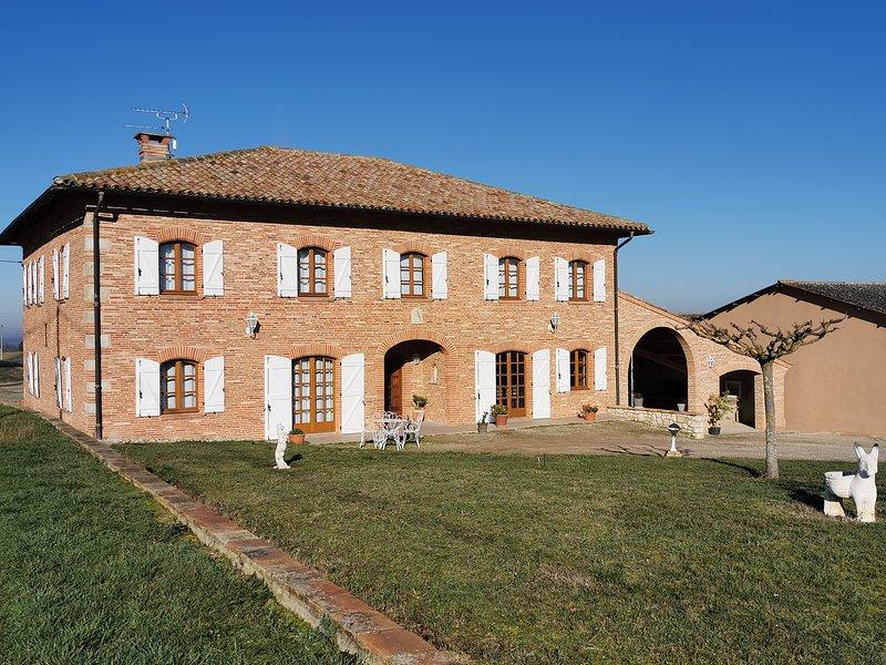 Domaine de Vizols, Gîte de Charme 12 personnes 81500 GARRIGUES, holiday rental in Ambres