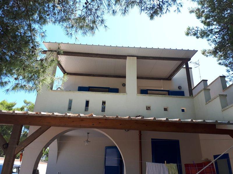'E case de Leviche' - appartamento in villetta con terreìazzo, holiday rental in Castrignano del Capo