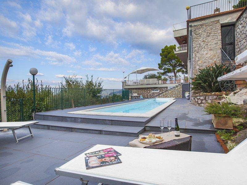 Priora Villa Sleeps 4 with Pool Air Con and WiFi - 5826736, alquiler vacacional en Priora
