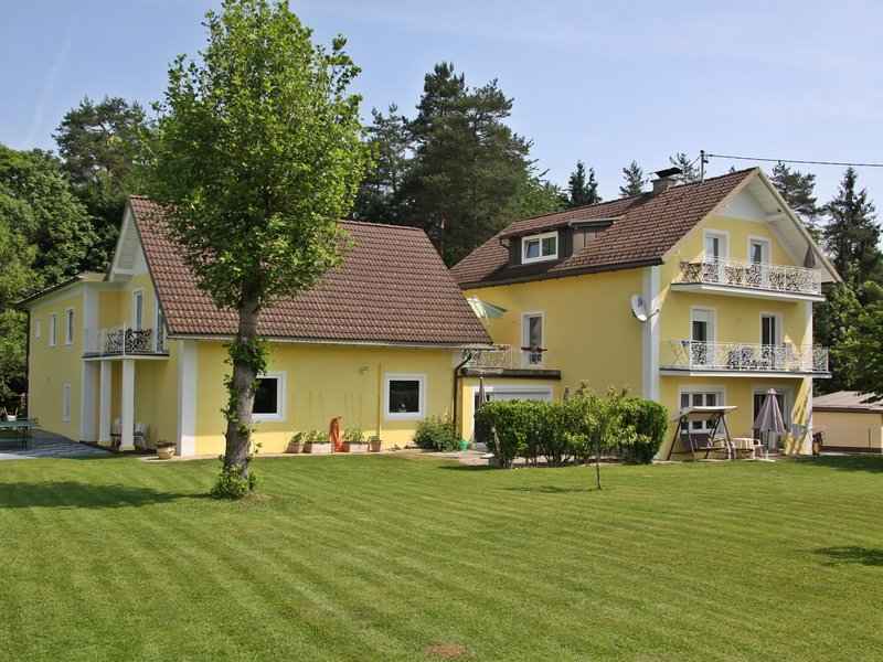 Ogris, holiday rental in Augsdorf