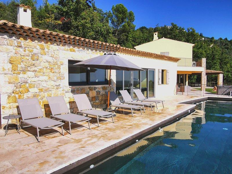 Cabris Villa Sleeps 14 with Pool and Air Con - 5826641, location de vacances à Spéracèdes