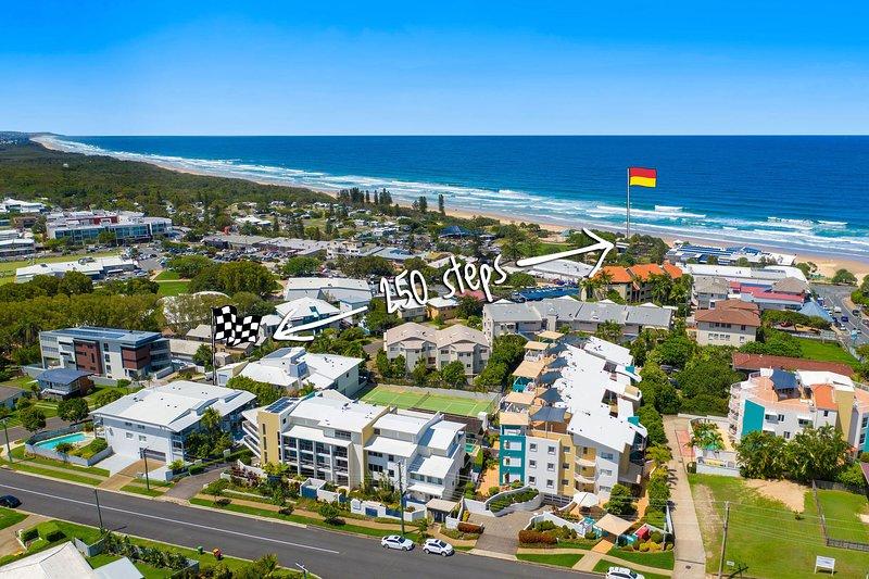 Desde el resort hasta la playa hay 250 escalones por un sendero conveniente