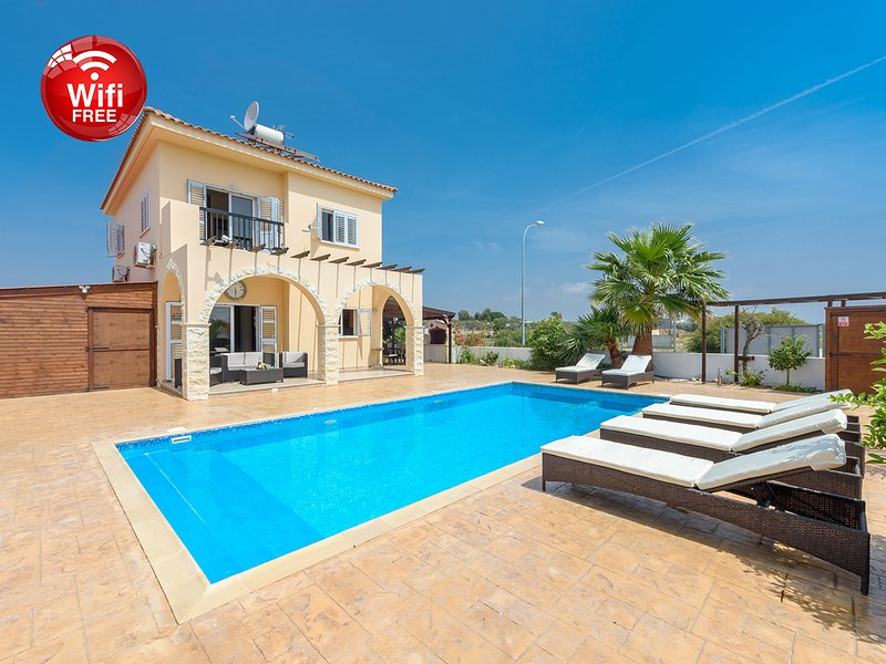 VILLLA AMBER - 4 MINS WALK TO THEKLA BEACH, vacation rental in Ayia Napa