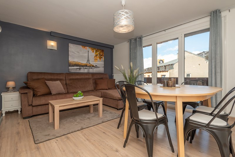 Apartment - 200 m from the slopes, holiday rental in Lles de Cerdanya