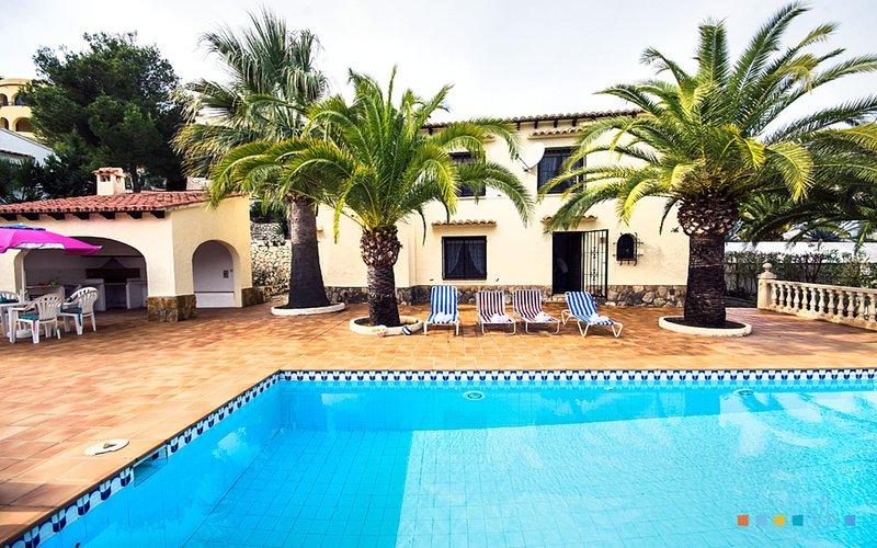 WILLI - Villa de vacaciones situada en tranquila urbanización de Benissa, holiday rental in Canor
