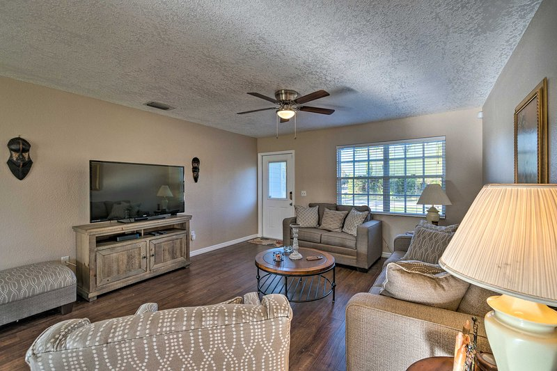 NEW! North Port Gem Near Beaches, Golf, & Shops!, vacation rental in North Port