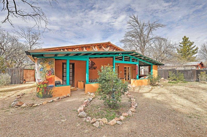 NEW! Vibrant 'Casa Paloma 2' Abode Near Vineyard, holiday rental in Nogales