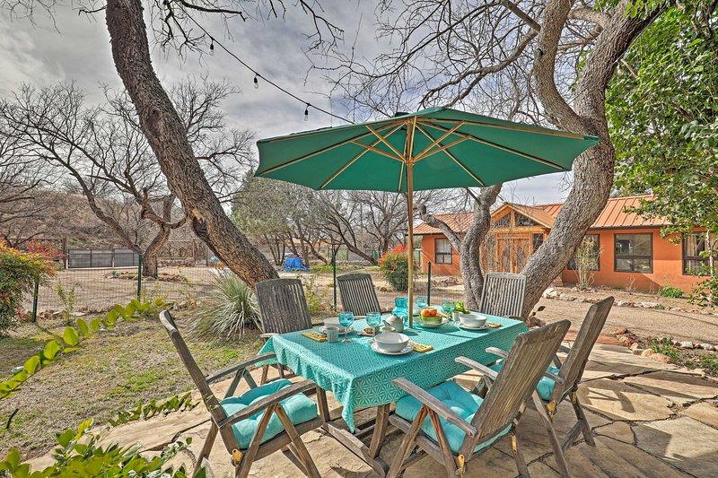 NEW! 'Casa Paloma 1' - Artsy Studio in Patagonia!, holiday rental in Nogales