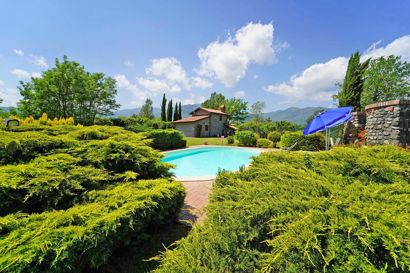Macerie Villa Sleeps 6 with Pool and Air Con - 5825572, holiday rental in Montelungo