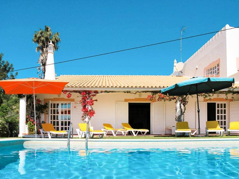 Corregos de Santa Luzia Villa Sleeps 14 with Pool - 5825376, location de vacances à Querenca